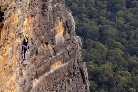 climbing_in_blue_mountains_lg